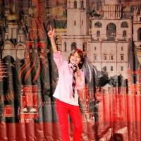 Фестиваль 'Улыбок и Добра': исполнение песен с суропереводчиком для глухих и слабослышащих зрителей  2013.11. 26-12.01 TimoTi Sannikov: concert tour in Moscow, Russia
